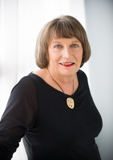 Lauraine Jacobs